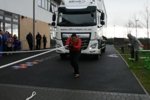 World record, heaviest truck pull, guinness World Record, Heaviest truck pull ever, in high heels, Asha Rani, Manjit Singh